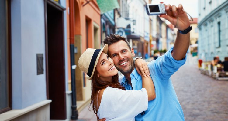 Tips for the Perfect Engagement Ring Selfie